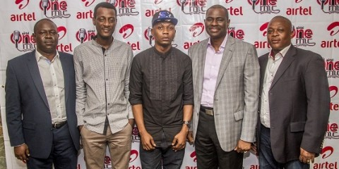 Managing Director and Chief Executive Officer, Airtel Nigeria, Mr. Segun Ogunsanya (2nd right); Chief Operations Officer, Tolu Ojo (left); Regional Operations Director, Lagos, Mr. Bayo Osinowo (right); upcoming Nigerian artiste, Reminisce (middle) and Music producer, ID Cabasa