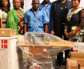 R –L : Her Excellency, Deputy Governor, Lagos State, Princess Orelope Adefulire; Executive Director, Diamond Bank Plc; Mr. Victor Ezenwoko; Representatives of the students of the Lagos State Skills Acquisition Centres; Special Adviser, Office of the Deputy Governor, Mrs. Risikat Akiyode; and Head, Institutional Banking, Diamond Bank Plc, Mrs. Chizoma Okoli when officials of the Bank made a donation to the skill acquisition centres as part of the Diamond Bank Employee Volunteering Programme (EVP), recently.